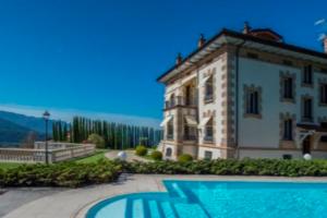 40140_villa_di_lusso_con_vista_lago_maggiore_in_vendita_a_luino.jpg