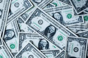 Dollaro, la tendenza al ribasso proseguirà anche nel 2021
